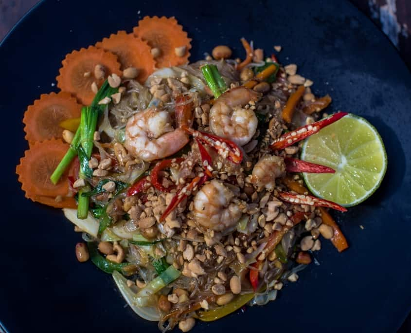 hostel koh rong, nest beach club, asian food